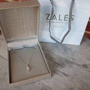 Zales 1/2 ct round cut Journey diamond necklace